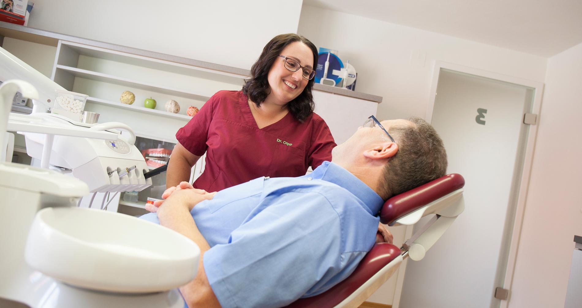Zahnimplantate Eingriff in Ötisheim bei Mühlacker