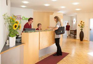 Empfangsbereich - Zahnimplantate in Ötisheim bei Mühlacker