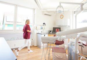 Behandlungszimmer - Zahnersatz in Ötisheim bei Mühlacker